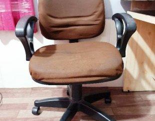 میز کامپیوتر و صندلی چرخدار