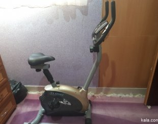 یک دوچرخه ثابت تمیز ودر حد آک TA.SPORT
