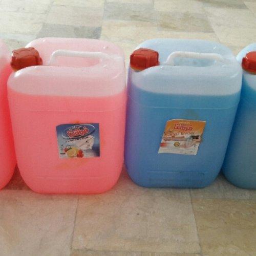 فروش عمده آب معدنی و دستمال کاغذی ارزان