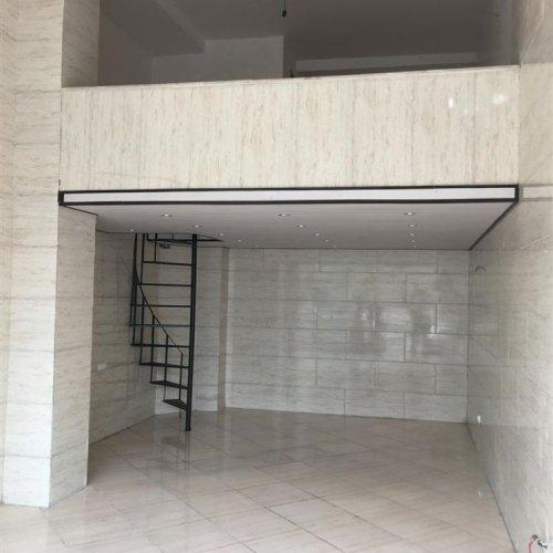 مغازه نبش بلواراصلی( ۵۴ متر سند تجاری)