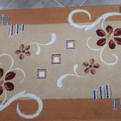 دو عدد قالیچه طرح گل برجسته