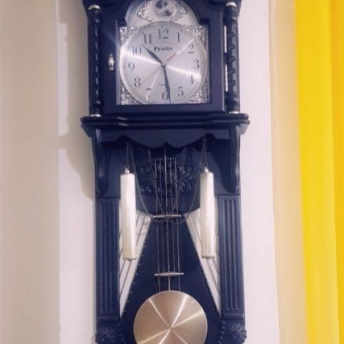 ساعت دیواری شماته دار