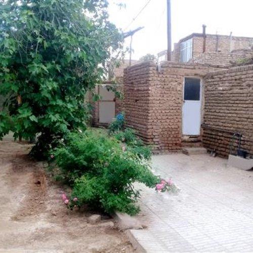 خانه حیاط دار در ورامین – ۴۲۰ مترزمین