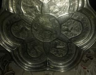 سینی کنده کاری شده انتیک  قدمت دار نزدیک به ۶۰ سال