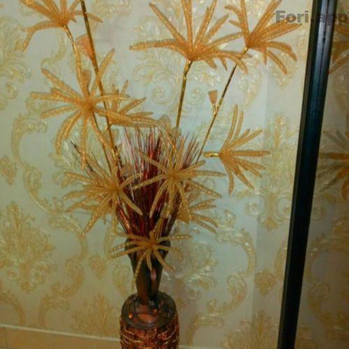 گلدان وگل