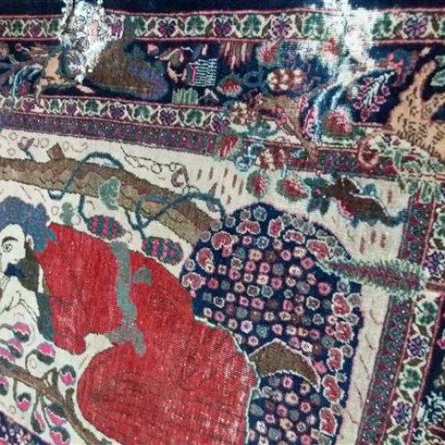 فرش قدیمی دست بافت طرح لیلی و مجنون