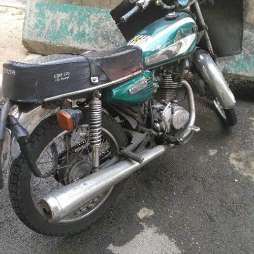 یکدستگاه موتور سیکلت   نامی