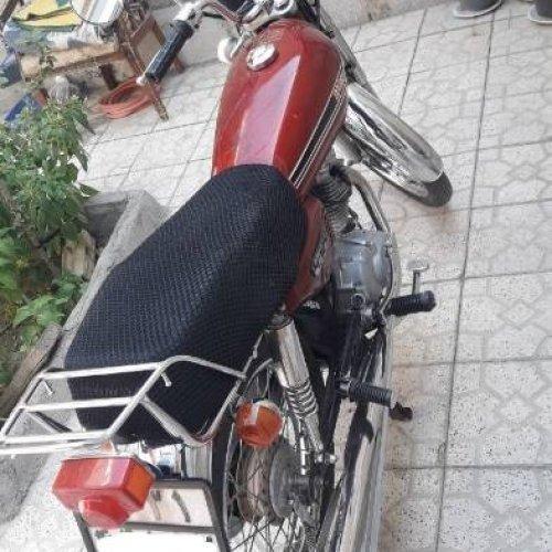 موتورسیکلت سفرمدل۱۳۸۵ پلاک ملی تمیز خونگی