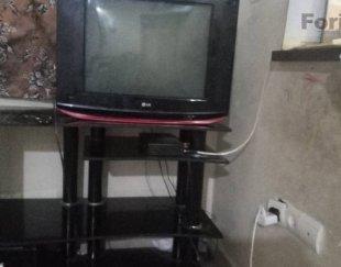تلویزیون با میز و دیجیتال