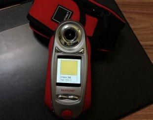 دستگاه تشخیص رنگ Pantone Color Cue2.1