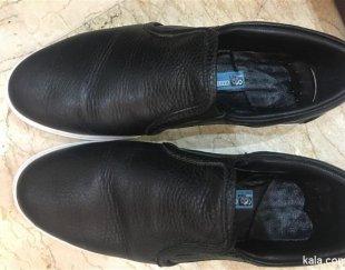 کفش سایز ٣٩