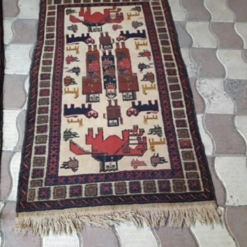 تعداد زیادی قالیچه دست باف اعلاء نخ پشم دستریس