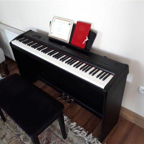 پیانو برگمولر پی ۱۰
