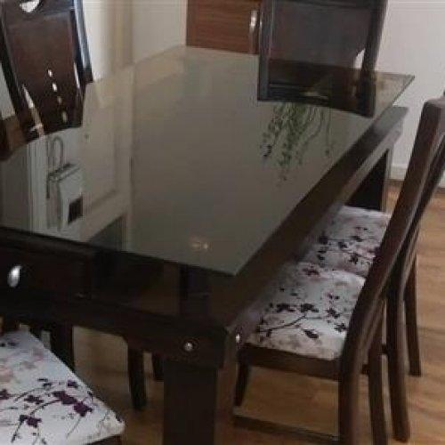 مبل و میز نهارخوری