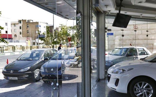 بازار خودرو وارد فاز کاهشی میشود؟